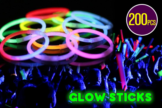 200 Mixed Colour Glow Sticks - Glow In The Dark